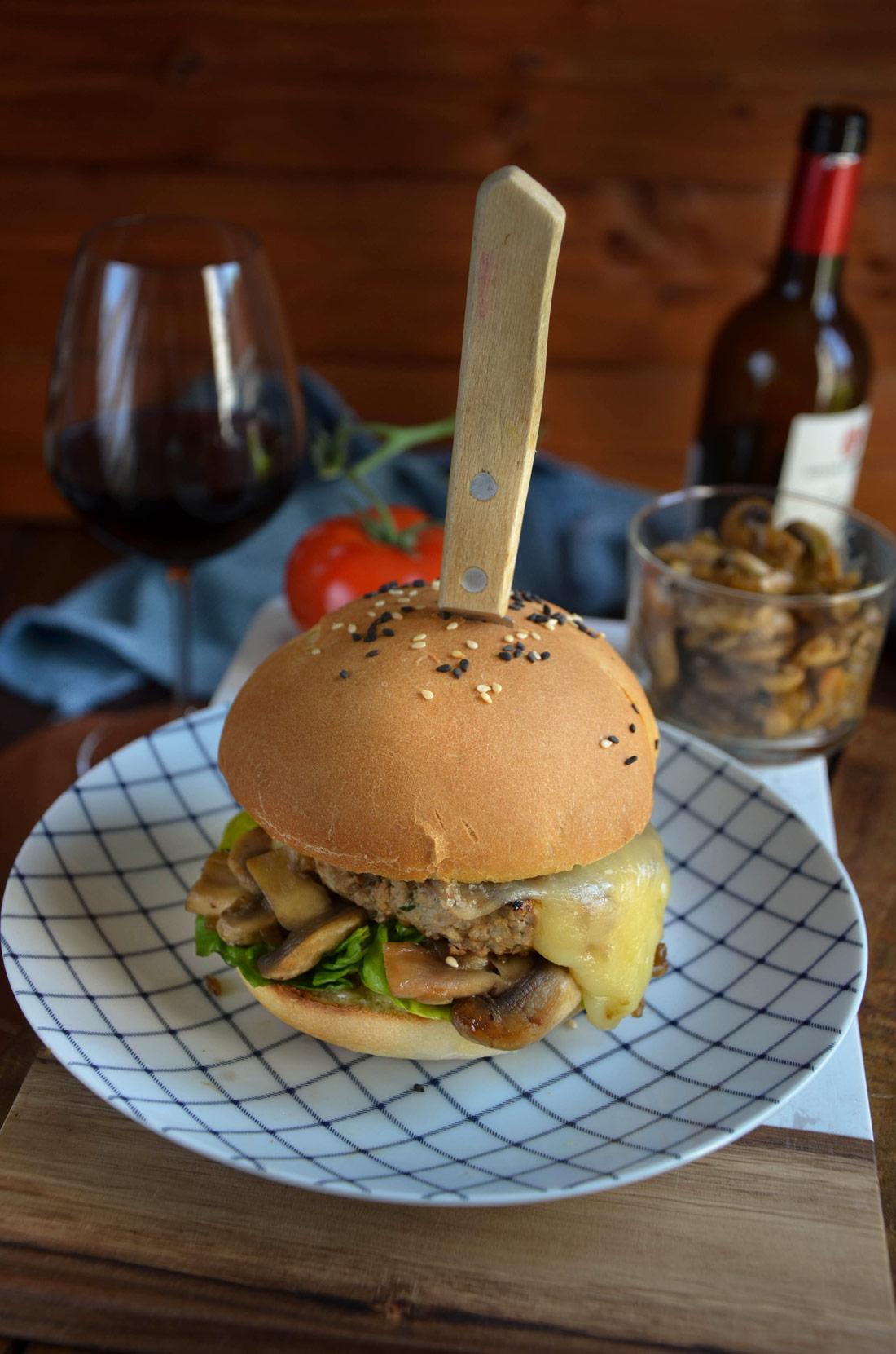 Le Super Duck, un délicieux hamburger de canard fait maison