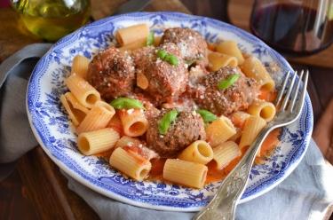 Recette de meatballs et rigatoni