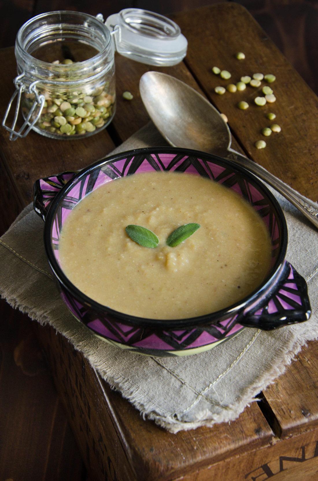 Recette de soupe de pois cassés aux lardons