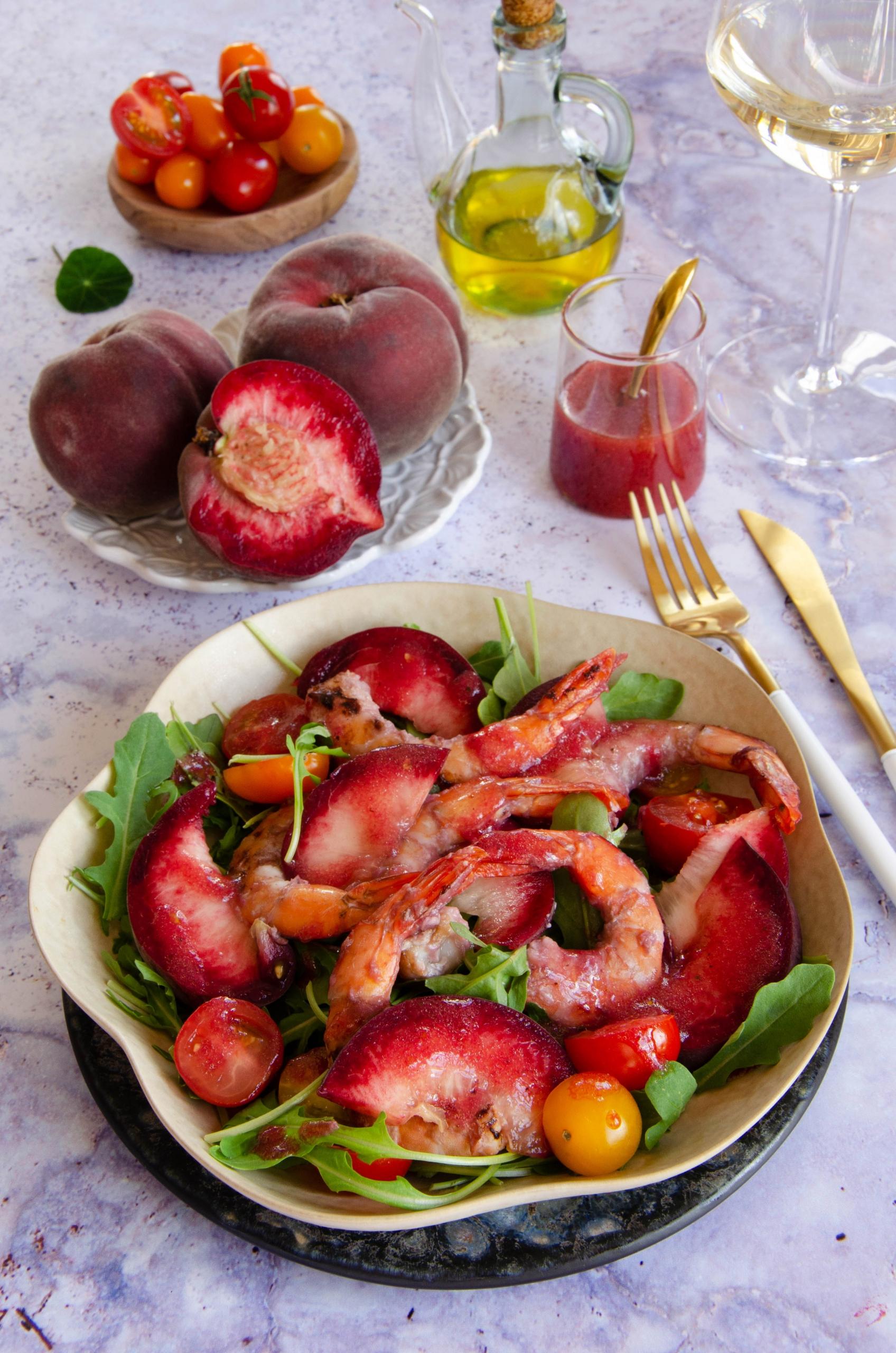 Recette de crevettes sautées aux tomates et aux pêches