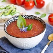 Recette de soupe glacée tomate huile à l'ail blanc