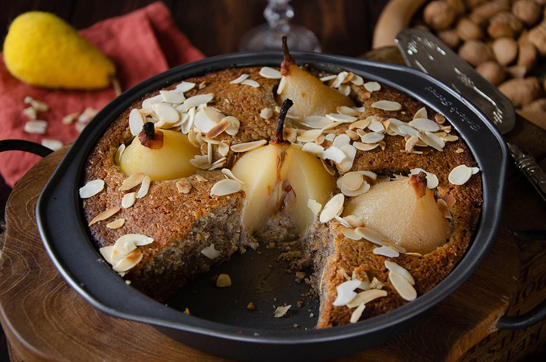 Gâteau noisettes poires au sirop fait maison
