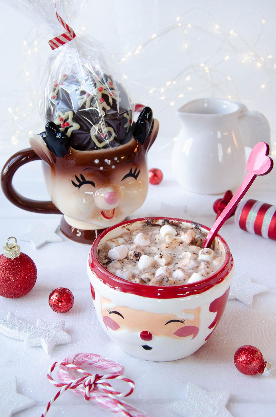 Pensez à vos cadeaux gourmands en réalisant des bombes à chocolat chaud, les fameuses Hot chocolate bomb.