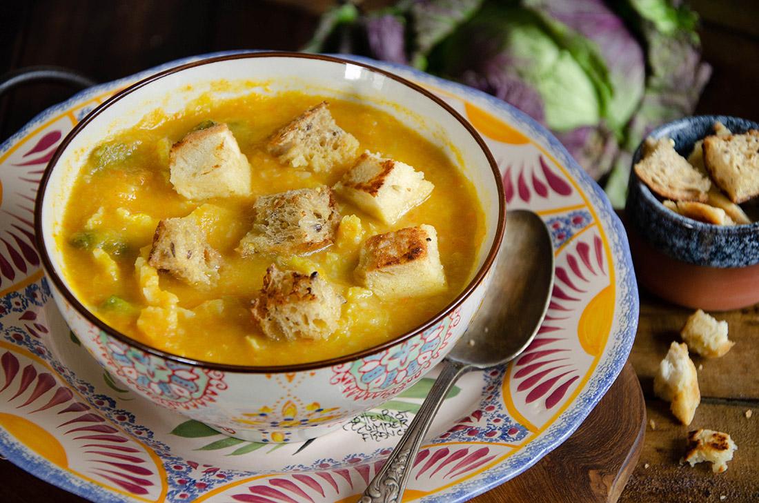 Caldo Verde aux croûtons, une recette de soupe au chou fait maison