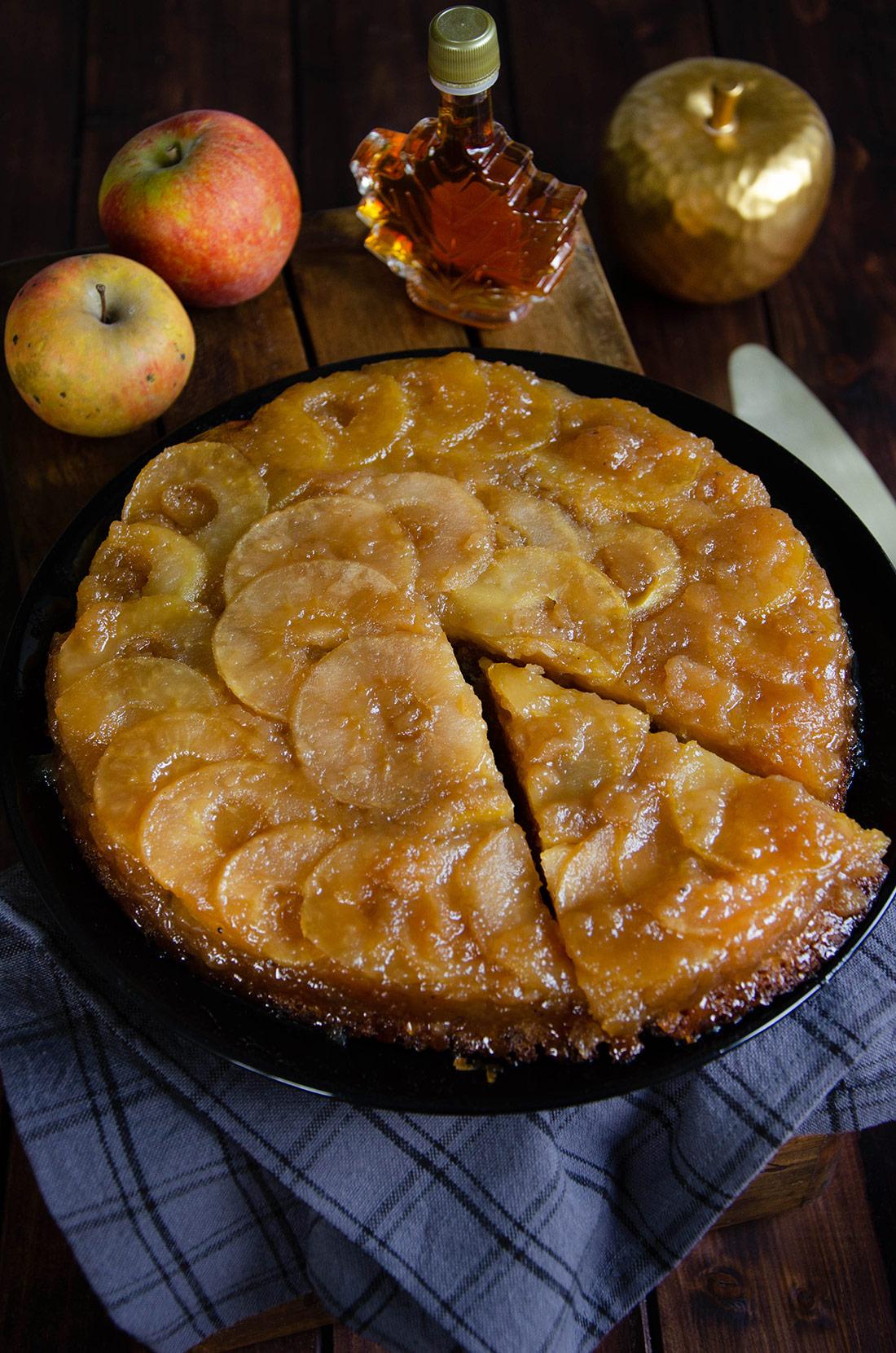 Recette de gâteau renversé pommes érable, un délicieux dessert ultra savoureux