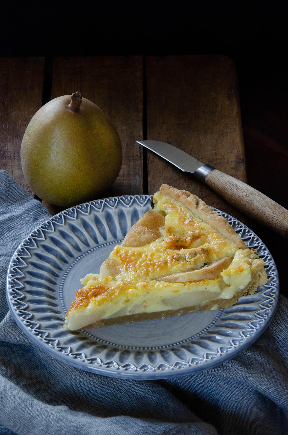 Une délicieuse recette sucrée salée de tarte poires morbier fait maison
