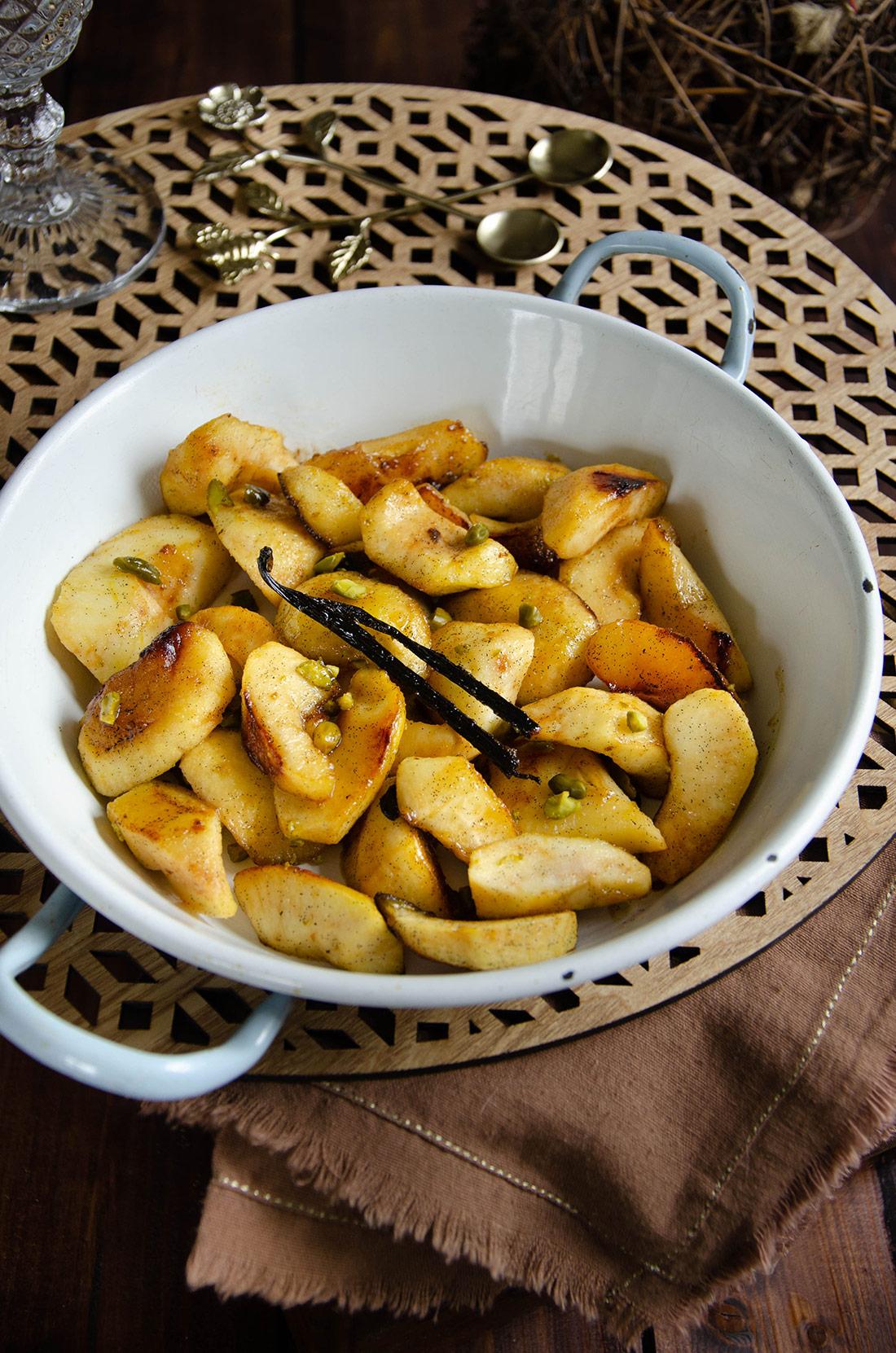 Pommes caramélisées vanille pistaches