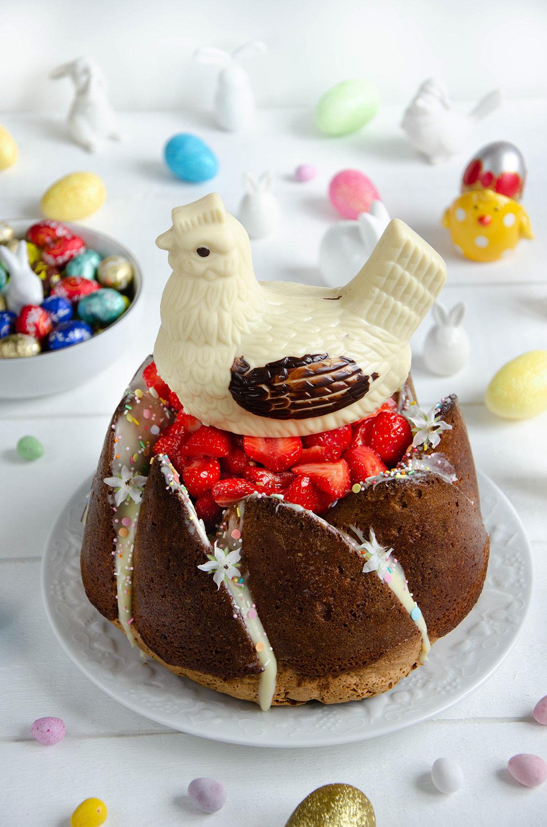 Bundt cake vanille et fraises maison