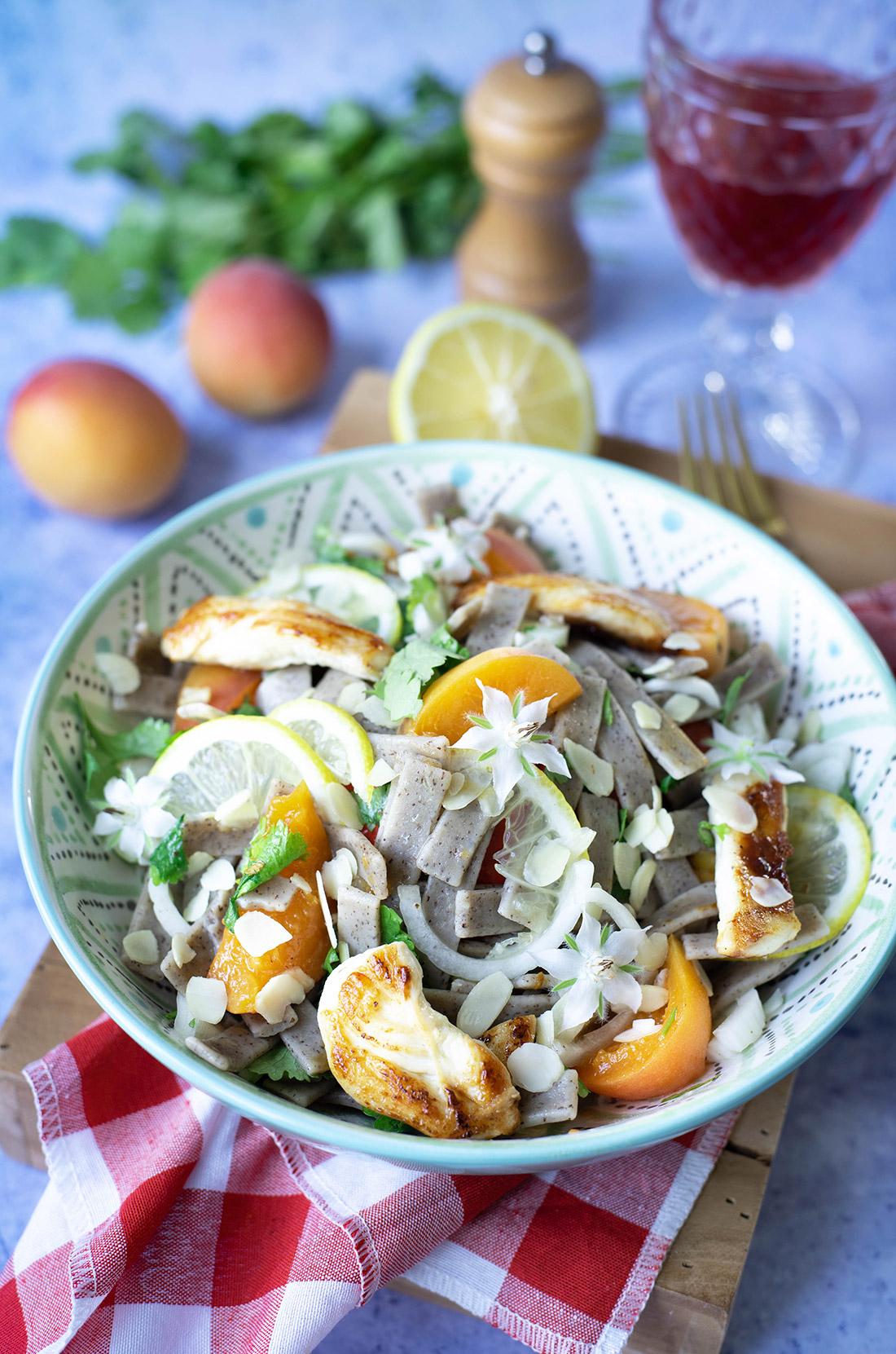 Salade poulet pâtes abricots