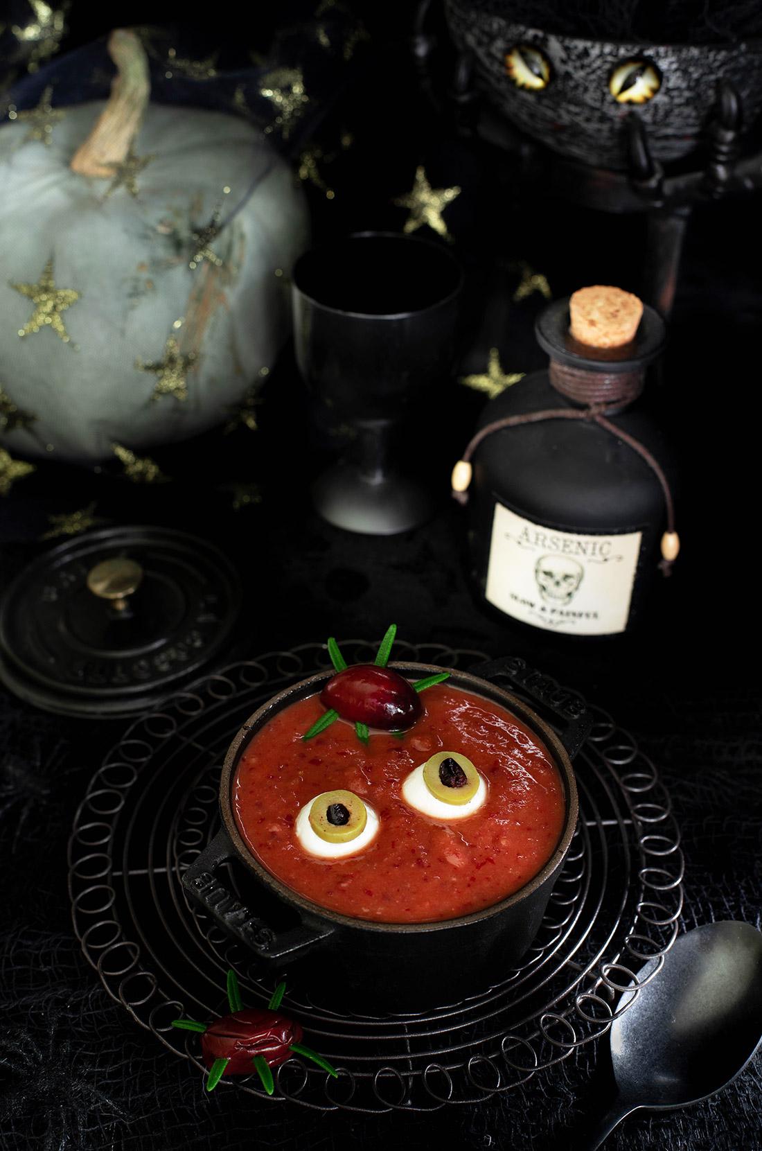 Soupe de la sorcière Halloween {tomates haricots rouges}